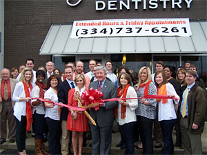 TigerTown Dental ribbon cutting